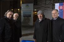 Rakúsky prezident odhalil v Hainburgu pamätnú tabu