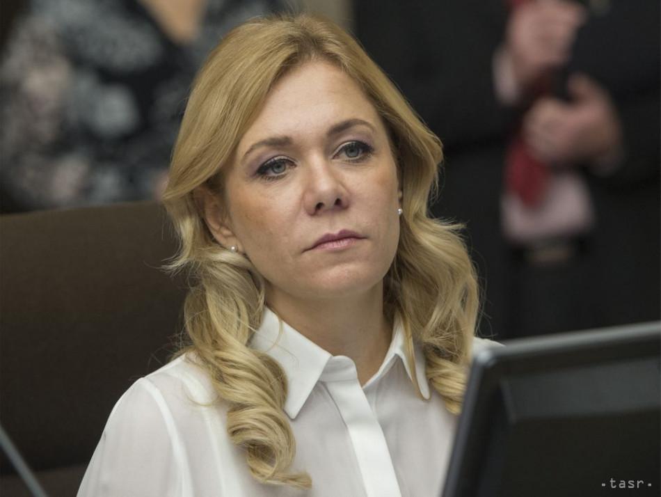 Ministerka vnútra D. Saková nechá preveriť nákup alkoholových testerov