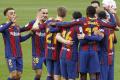 Barcelona vyhrala na ihrisku FC Sevilla 2:0 a je druhá