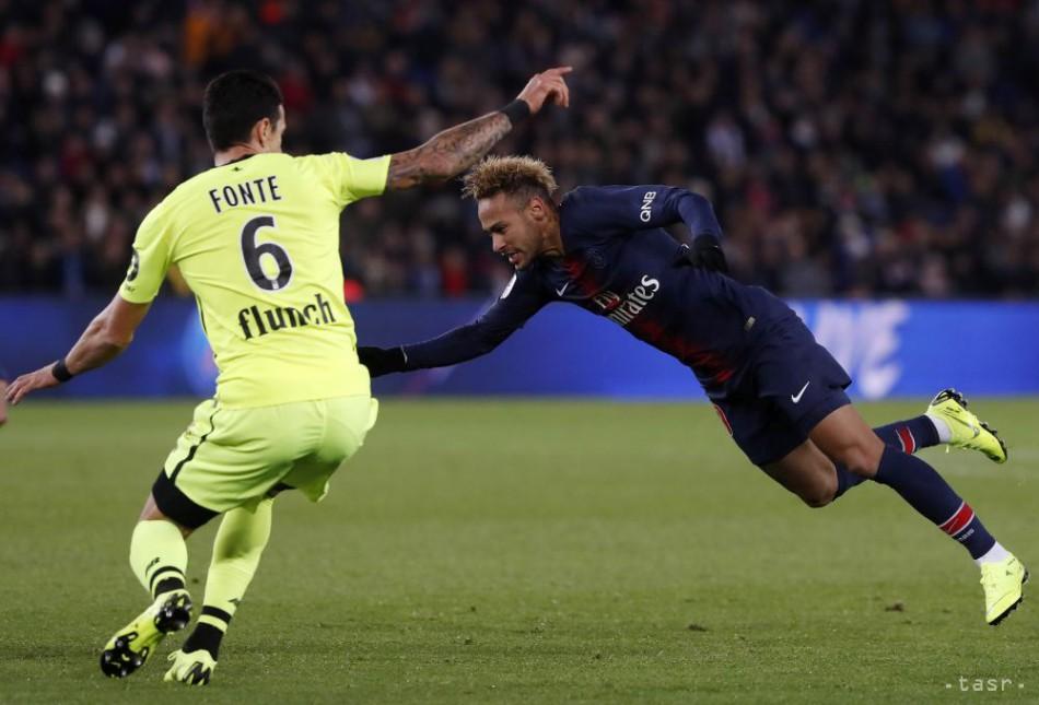 e661e1d9e6c46 Neymar sa zranil v prípravnom zápase s Kamerunom