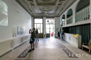 Do bratislavskej Lekárne u Salvatora sa vráti pôvodný mobiliár