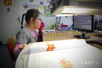 Deti so zrakovým postihnutím dostali od S. Gašparovičovej čítacie lupy