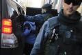 Grécka polícia zatkla 4 Pakistancov pre obvinenia zo znásilnenia