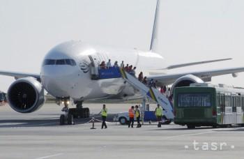 Po vyše siedmich rokoch obnovili prevádzku letiska v Aleppe