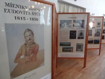 V dejinách slovenského jazyka zaujal Ľudovít Štúr nenahraditeľné miest