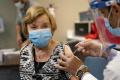 Poľsko rozšírilo očkovanie na ľudí nad 70 rokov
