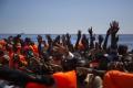 Pri Líbyi sa prevrátil čln s migrantmi: Piati sú mŕtvi, 90 nezvestných