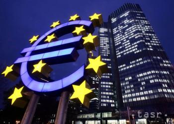 Podľa ECB sú rozsiahle menové stimuly potrebné aj naďalej