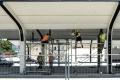 Nová prevádzková budova na AS v Trstenej poskytuje cestujúcim komfort