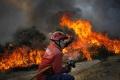 Vyše tisíc hasičov bojuje v Portugalsku s lesnými požiarmi