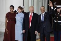 Obamovci privítali v Bielom dome nastupujúceho prezidenta a prvú dámu
