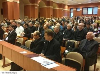 Arcibiskup Cyril Vasiľ prednášal na Teologickej fakulte v Košiciach