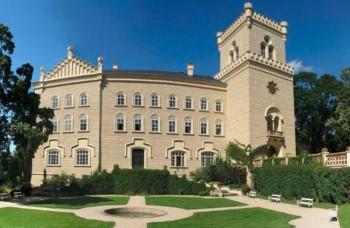 Rekonštruovaný český zámok Chyše s parkom opäť slúži verejnosti