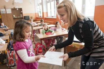 Školákov čakajú v piatok polročné prázdniny