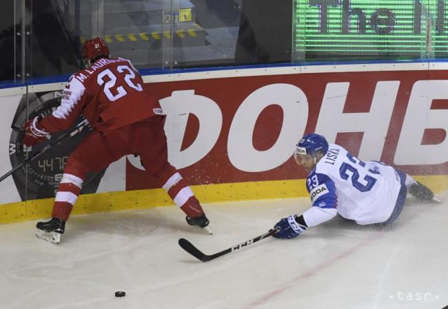 3ed524f066e44 Na snímke vpravo Adam Liška (Slovensko), vľavo Markus Lauridsen (Dánsko) v  zápase základnej A-skupiny Slovensko – Dánsko na 83. majstrovstvách sveta v  ...