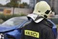 Bratislavskí hasiči zasahujú pri nehode karavanu a nákladných áut