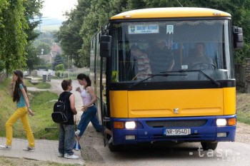 V Leviciach budú školáci cestovať zadarmo