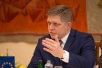 Premiér nevidí dôvod na odvolanie A. Danka, Smer-SD schôdzu nepodporí