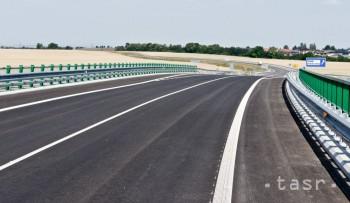 Vodiči jazdiaci cez Horehronie môžu oddnes využívať nový obchvat