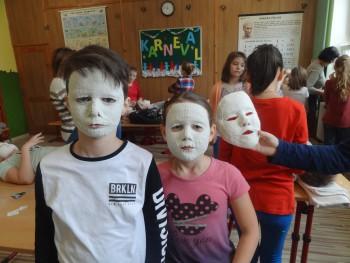 Deti z Havaja si vymodelovali  sadrové odliatky vlastnej tváre