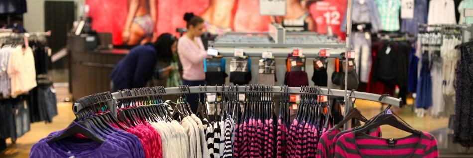 Za letné oblečenie zaplatíme najčastejšie do 100 Eur 95a2d7029c2