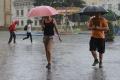 Stred a východ v nedeľu potrápia búrky, juhozápad vysoké teploty