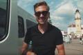 Samuel Tomeček predstavil videoklip k retro skladbe Motýlik