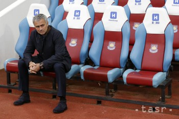 Mourinho prezradil, že od leta zasadne na lavičku ManU