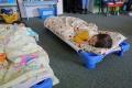 Nočné pomočovanie trápi i päťročné deti, karhaním sa to nevyrieši