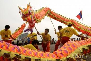 V Číne čakajú Nový rok spolu v rodinách, chránia sa pred zlými duchmi