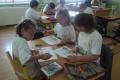 Vyškolené ambasádorky zoznámili deti  s každodennými zvykmi