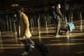 Británia zavedie karanténu v hoteloch pre cestujúcich zo zahraničia
