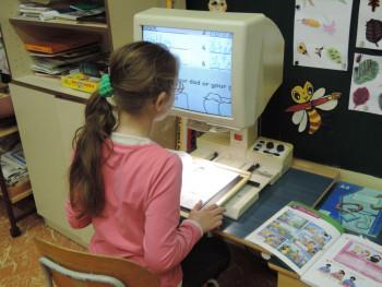 Záujemcovia si mohli skúsiť, ako sa učia deti s poruchami zraku