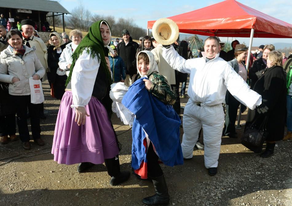 VIDEO: Pankuškové fašiangy v Krompachoch ponúkajú zábavu a dobré jedlo