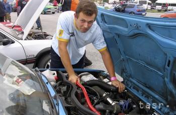 Motorový olej treba vymieňať pravidelne. Zbytočne neexperimentujte