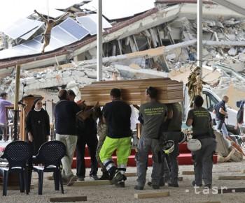 V Taliansku pochovali ďalšie obete zemetrasenia