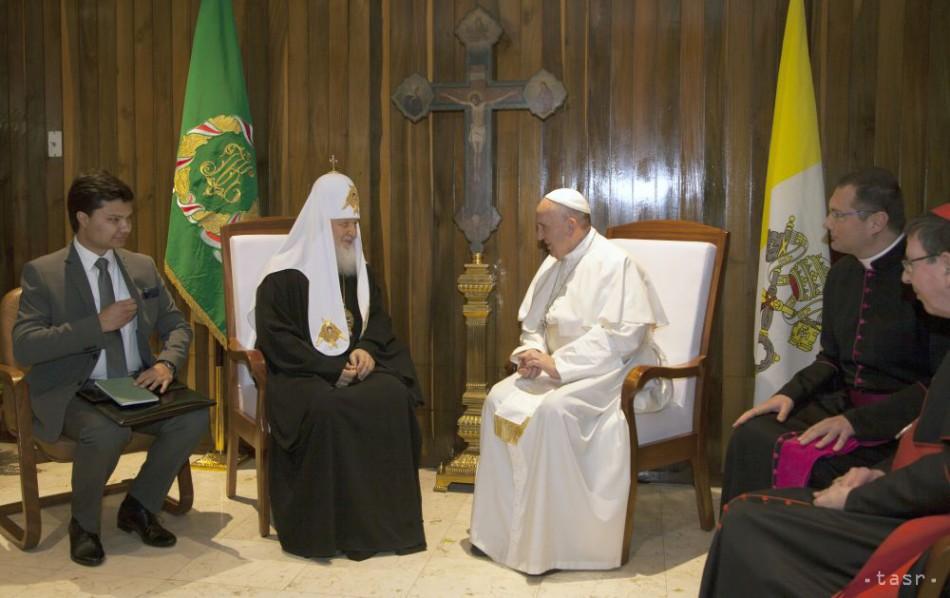 Patriarcha a pápež žiadajú veriacich nedopustiť novú svetovú vojnu