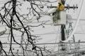 Výpadky elektriny spôsobil sneh najmä v okresoch Michalovce a Humenné