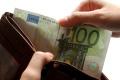 V zahraničí plaťte najmä kartou. Veľká hotovosť prináša riziko