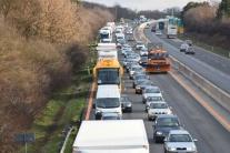 Čas uzávery diaľnice D1 pri Blatnom počas víkendu bude dlhší