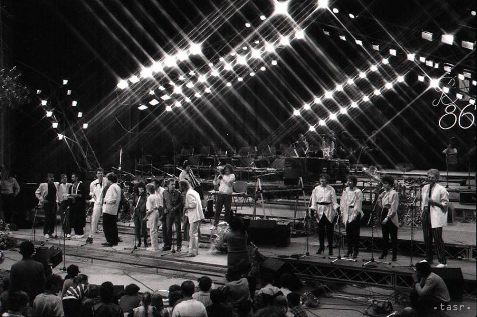 V roku 1986 sa Bratislavská lýra opäť konala v Dome odborov, čo zmenilo nielen hodnotenie pesničiek, ale aj celú štruktúru festivalu.