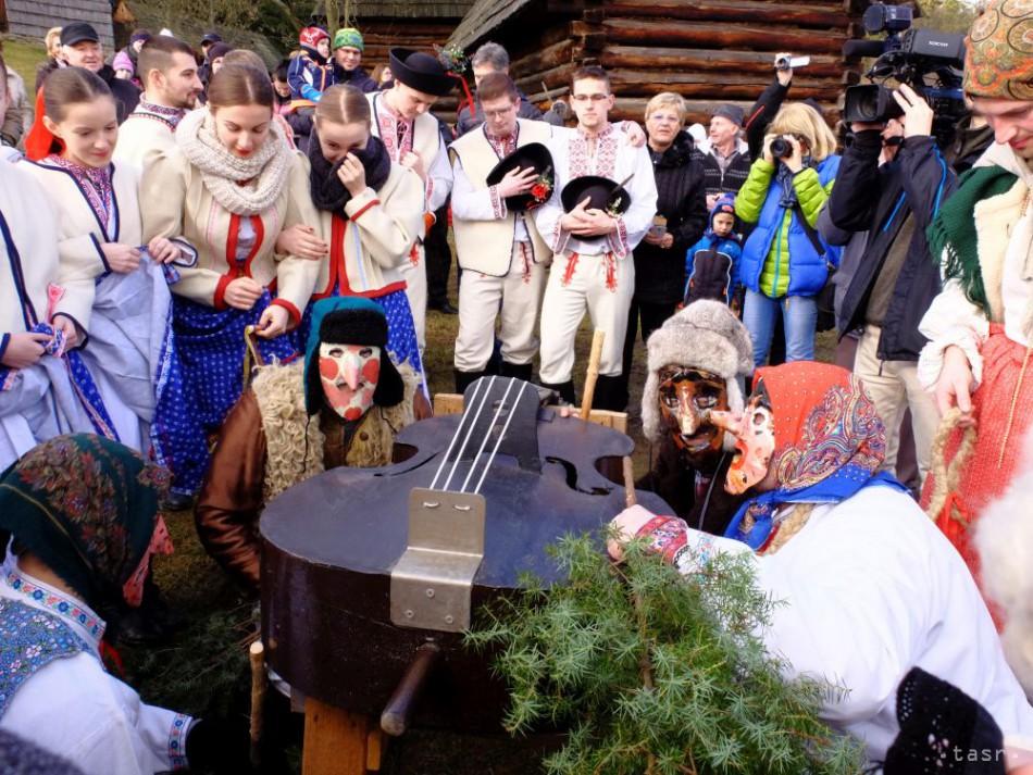 Na Slovensku vrcholia fašiangy, v stredu sa začne obdobie pôstu