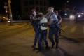 Ozbrojenci okupujú policajnú stanicu v Jerevane, zajali zdravotníkov