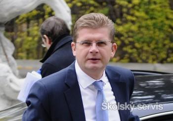 Minister Žiga sa vzdal kresla, na jeden deň ho požičal deťom