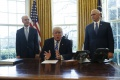 Trump obvinil z neúspechu pri rušení Obamacare demokratov