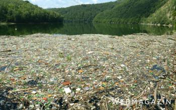 Dobrovoľníci a vodohospodári opäť čistia Ružín