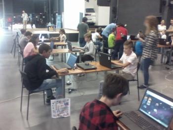 Palínski žiaci dosiahli úspech v programovaní hry GalaxyCodr
