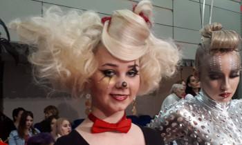 Študentky SOŠ Gemerská súťažili v kaderníckej a kozmetickej tvorbe