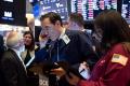 Americká ekonomika sa v 2. štvrťroku prepadla o niečo menej, o 31,4 %