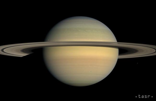 Prstence Saturnu sú mladšie než samotná planéta, zistili vedci